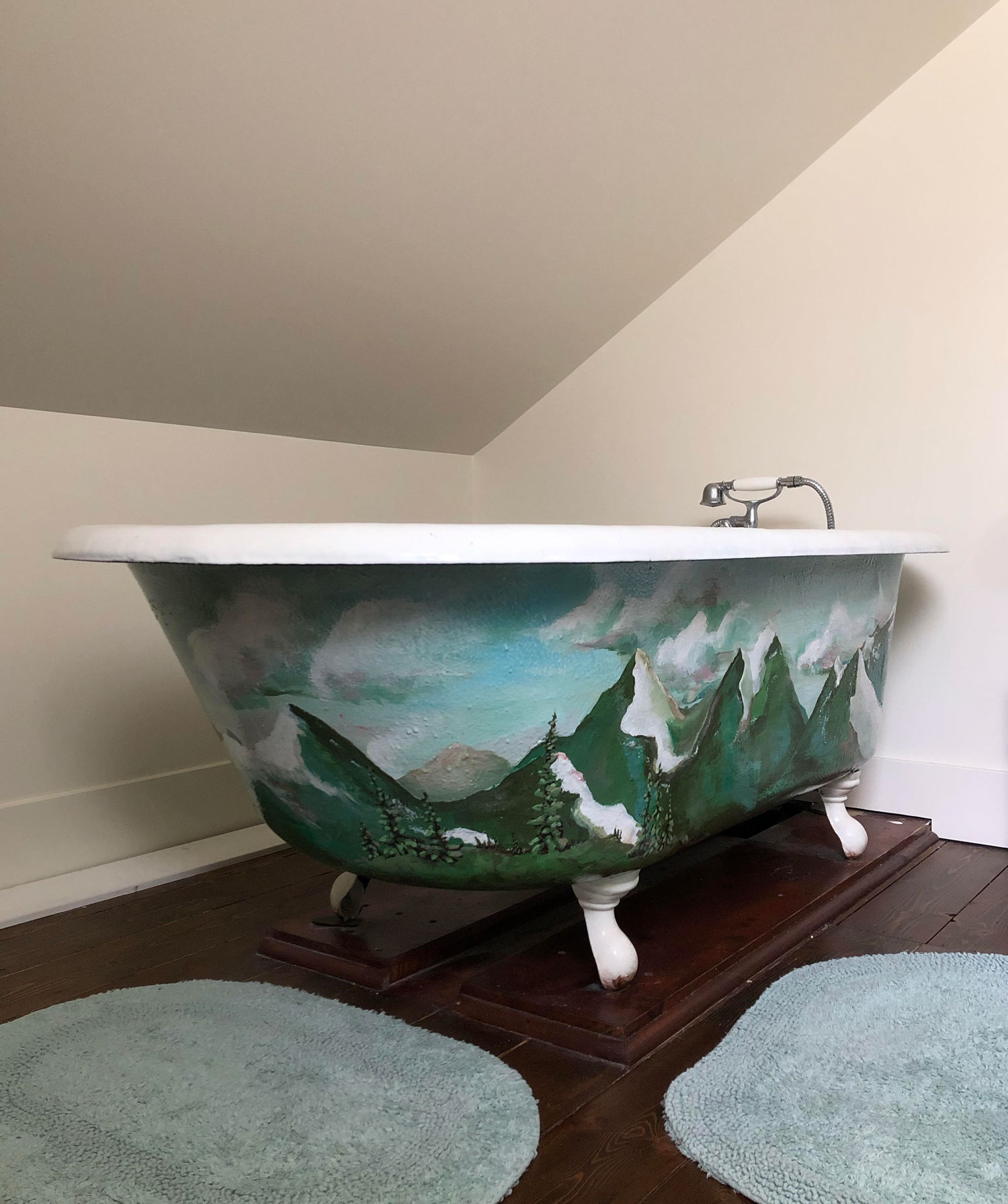 Cast Iron Clawfoot Tub Mountain Painting Complete